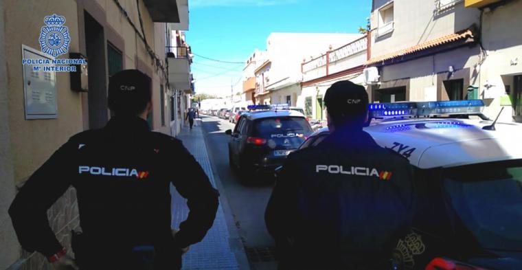 Un hombre se entrega a la policía tres días después de matar a su padre con una barra de hierro