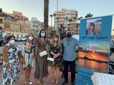 """Rosa Raya presenta """"Águilas en verso y alma"""" en la II Feria del Libro de Autor"""