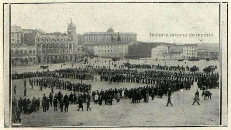 Regimiento de Zapadores. Plaza de España, 1914