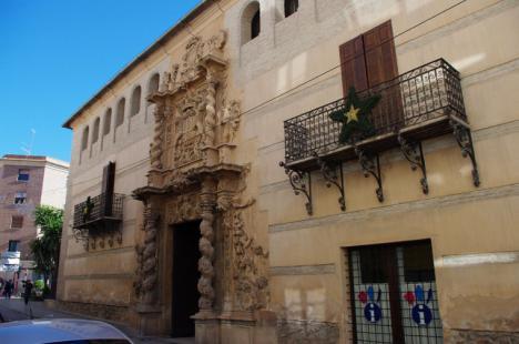 Última fase DE los trabajos de restauración de la fachada del Palacio de Guevara