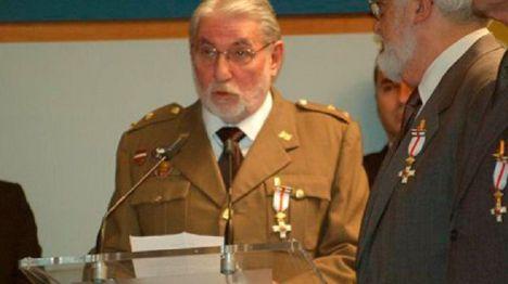 """Fernando Reinlein: """"Vendría bien que el rey dijera que las Fuerzas Armadas están a las órdenes del Gobierno"""""""