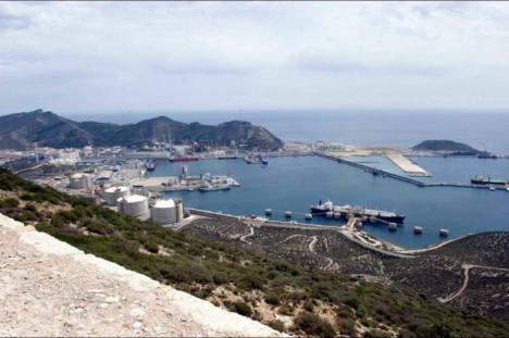 El Delegado del Gobierno anuncia que Adif licita la redacción del proyecto y ejecución de las obras de renovación de la terminal de Escombreras (Cartagena)