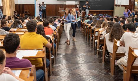 CSIF exige a la Junta que despeje las dudas sembradas por el Gobierno central sobre una supuesta vuelta a las aulas