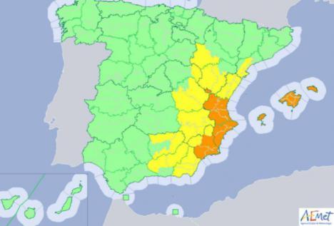 Aviso naranja y amarillo en varias comunidades en España por fuertes precipitaciones y tormentas en las próximas horas