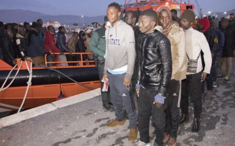 Guardia Civil y Salvamento Marítimo interceptan once pateras y rescatan a 122 inmigrantes el 25 de diciembre
