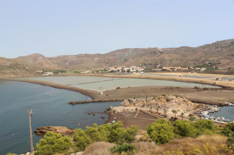 La Comisión de Seguimiento de Portmán acuerda evaluar las alternativas de regeneración integral de la bahía