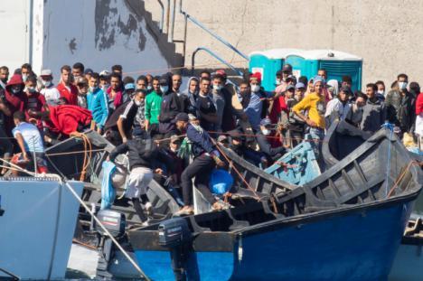 La Delegación del Gobierno de Murcia garantiza el cumplimiento escrupuloso de la ley en la gestión de la llegada de inmigrantes irregulares por vía marítima