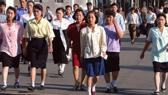 Vestimenta autorizada para la mujer en Corea del Norte