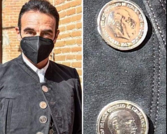 """Enrique Ponce el """"enamorado"""" del franquismo, por Rogelio Mena"""