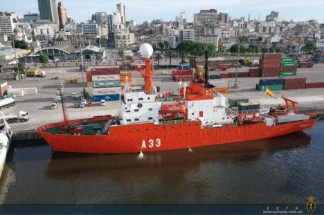 """El Buque de Investigación Oceanográfica """"Hespérides"""" recala en el puerto de Ushuaia"""