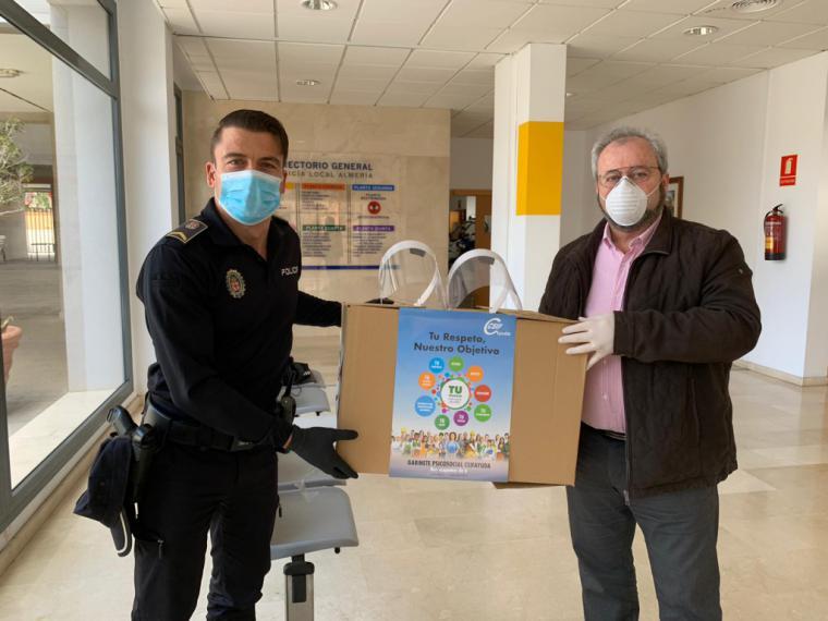 CSIF de Almería dona más de 2.000 pantallas de protección facial a hospitales, centros de salud y Policía Local