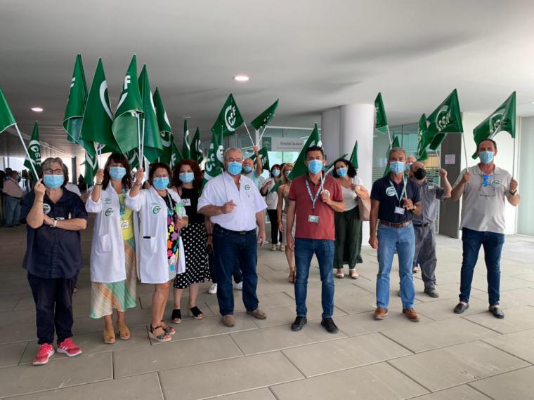 CSIF se concentra para exigir la carrera profesional para todo el personal de la sanidad almeriense
