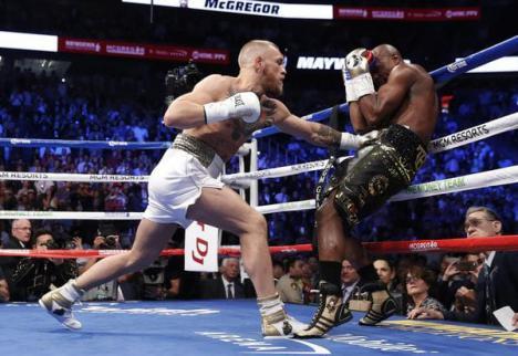 Mayweather aplasta a McGregor