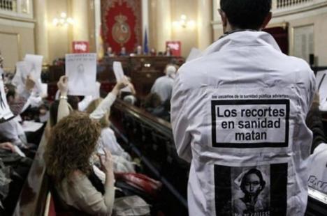 España es el cuarto país del mundo que más ha recortado en Sanidad en los últimos diez años