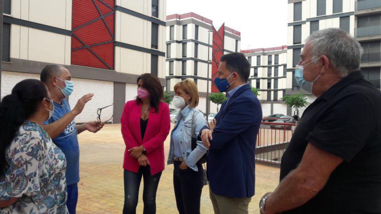 Fulgencio Gil propone al gobierno regional que las familias de San Fernando con derecho moral reconocido accedan a las viviendas de titularidad autonómica que la CARM posee en este barrio