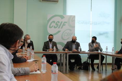 El presidente nacional de CSIF, Miguel Borra, analiza en Almería lo nuevos retos sindicales surgidos tras la crisis sanitaria