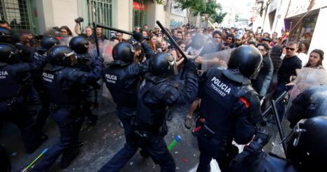 Cataluña: aumenta la tensión en las calles y el gobierno prepara una respuesta