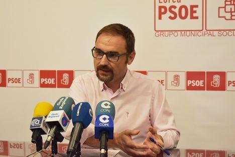 El PSOE pide la retirada de las viviendas prefabricadas que vayan quedando vacías tras la vuelta de los vecinos al barrio de San Fernando