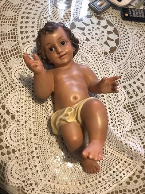 Figuras del Niño Jesús en la Casa Cuna