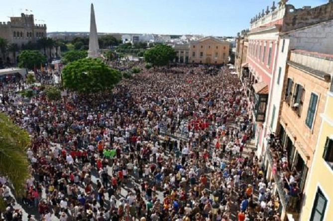 Incívica actuación por San Juan de jóvenes en botellones y fiestas con el peligro de los rebrotes