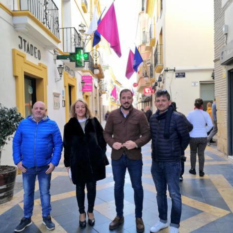 Las calles más céntricas de Lorca se engalanan con motivo de las fiestas patronales de San Clemente