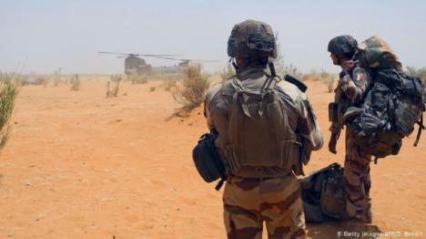 13 militares franceses muertos tras estrellarse dos helicópteros en una operación antiyihadista en Mali