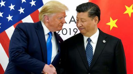 Donald Trump tensa la cuerda entre EEUU y China. Acusa al gigante asiático de ser responsable por la pandemia del COVID-19 y de querer entorpecer su reelección.