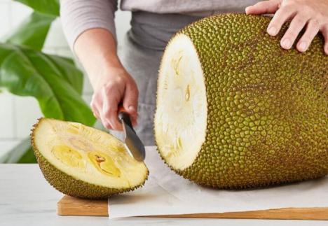 Jackfruit, la fruta de 40 kilos que es carne para veganos y vegetarianos por su sabor a cerdo