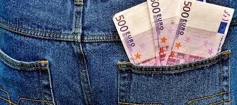 83.000 euros en billetes de 500 atascan varios retretes de un banco suizo.