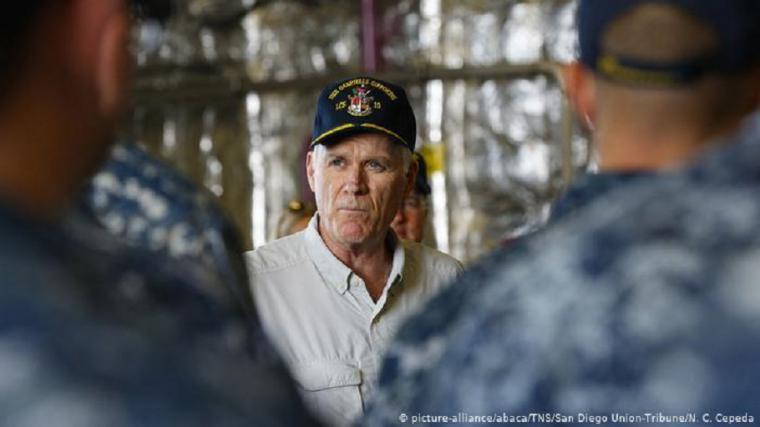 Despedido al secretario de la Marina de EEUU tras escándalo en sus fuerzas especiales