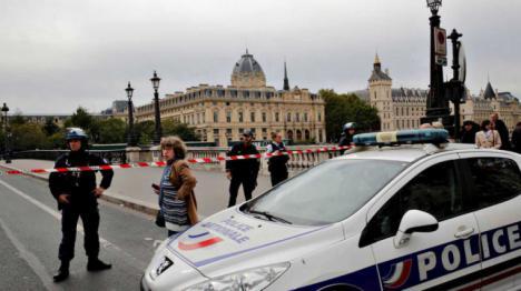 Abatido un hombre en París después de apuñalar a tres personas