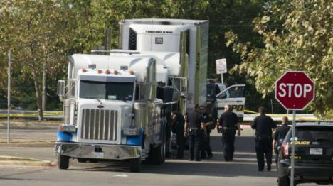 Encuentran 39 cadáveres en el interior de un camión en Reino Unido