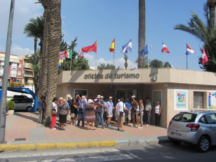 La Oficina de Turismo de Águilas reabre sus puertas siguiendo los protocolos de prevención del COVID-19 elaborados por el ICTE y la Red de Oficinas de Turismo de la Región de Murcia