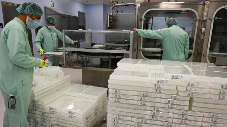 Los casi 30 millones de vacunas de Astra Zeneca escondidas en Italia y preparadas para la exportación se quedarán en Europa