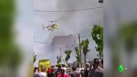 Ocho heridos en el espectacular incendio de un edificio okupado en Ibiza