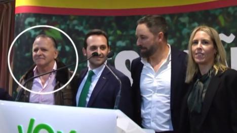 La Guardia Civil denunció al senador de Vox por Ceuta Juan Ros Alcaide por un presunto delito de violencia de género pero no lo pudo detener debido a su inmunidad parlamentaria