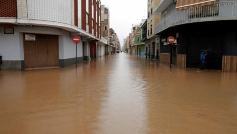 Lluvias torrenciales de hasta 180-200 litros por metro cuadrado, temporal marítimo con y olas de hasta cuatro metros y rachas de viento superiores a los 70 kilómetros por hora