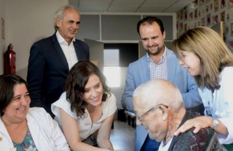 Genocidio en la Comunidad de Madrid al denegar por norma el tratamiento contra el COVID-19 a los ancianos de las residencias