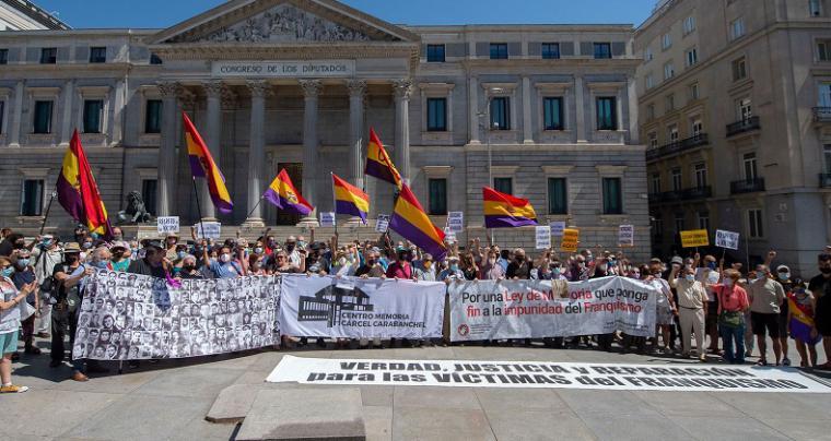 Diversos colectivos de memoria histórica reclaman al Gobierno que condene el golpe de Estado de 1936