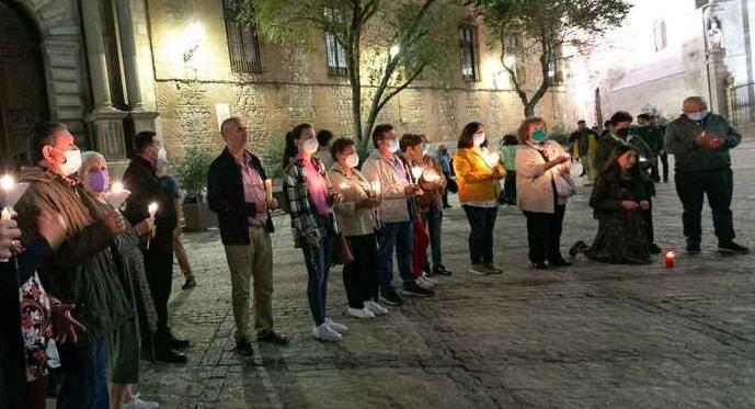Tras el videoclip de C.Tangana y Nathy Peluso, vigilia con velas en la catedral de Toledo para'purificar' el templo