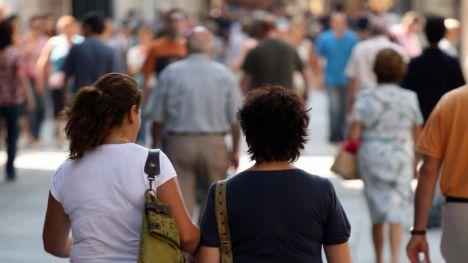 La población en España crece por primera vez desde 2011 hasta los 46,5 millones de habitantes