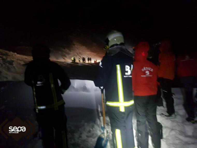 Encontrado el cadáver de uno de los operarios de la quitanieves atrapada por un alud en Asturias