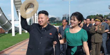 El dictador norcoreano, Kim Jong impone peinados, vestimentas y prohíbe todo lo que sea moda extranjera