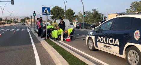 Agentes de la Policía Local salvan la vida a un hombre que había sufrido un infarto en el interior de su vehículo en la Rotonda de San Fernando