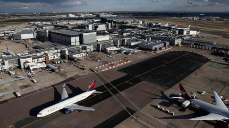 La policía británica investiga varios artefactos de pequeño tamaño que han sido hallados en los aeropuertos de London City, Heathrow y en la estación de Waterloo