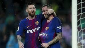 Paco Alcacer le da al Barça los tres puntos