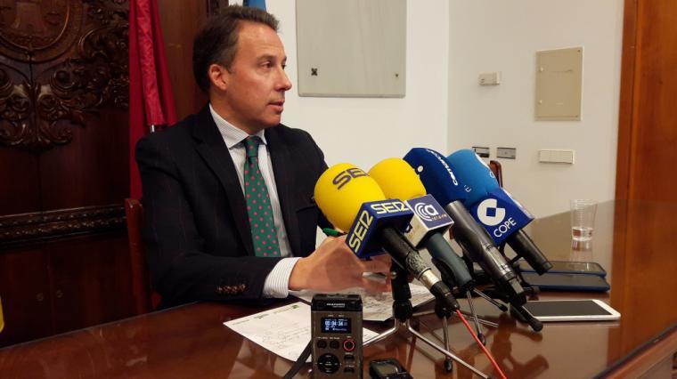Fulgencio Gil reclama que se sigan firmando las memorias justificativas para que los damnificados por los terremotos cuenten con la garantía jurídica que necesitan