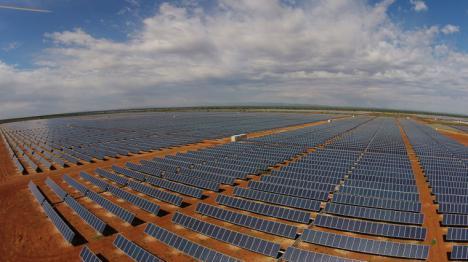 Cox Energy firma con Audax, el mayor contrato de venta de energía solar a largo plazo