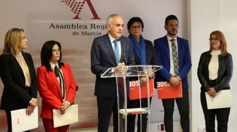 Los diputados regionales piden explicaciones al Gobierno regional