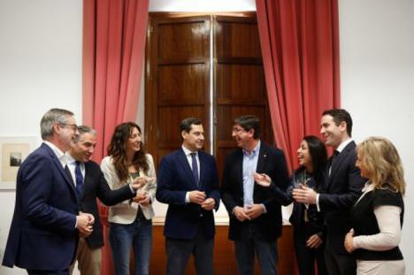 El PSOE andaluz pide a Moreno Bonilla que comparezca de manera